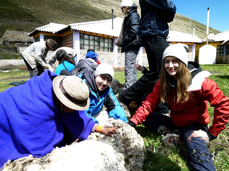 Yunguillas community teens